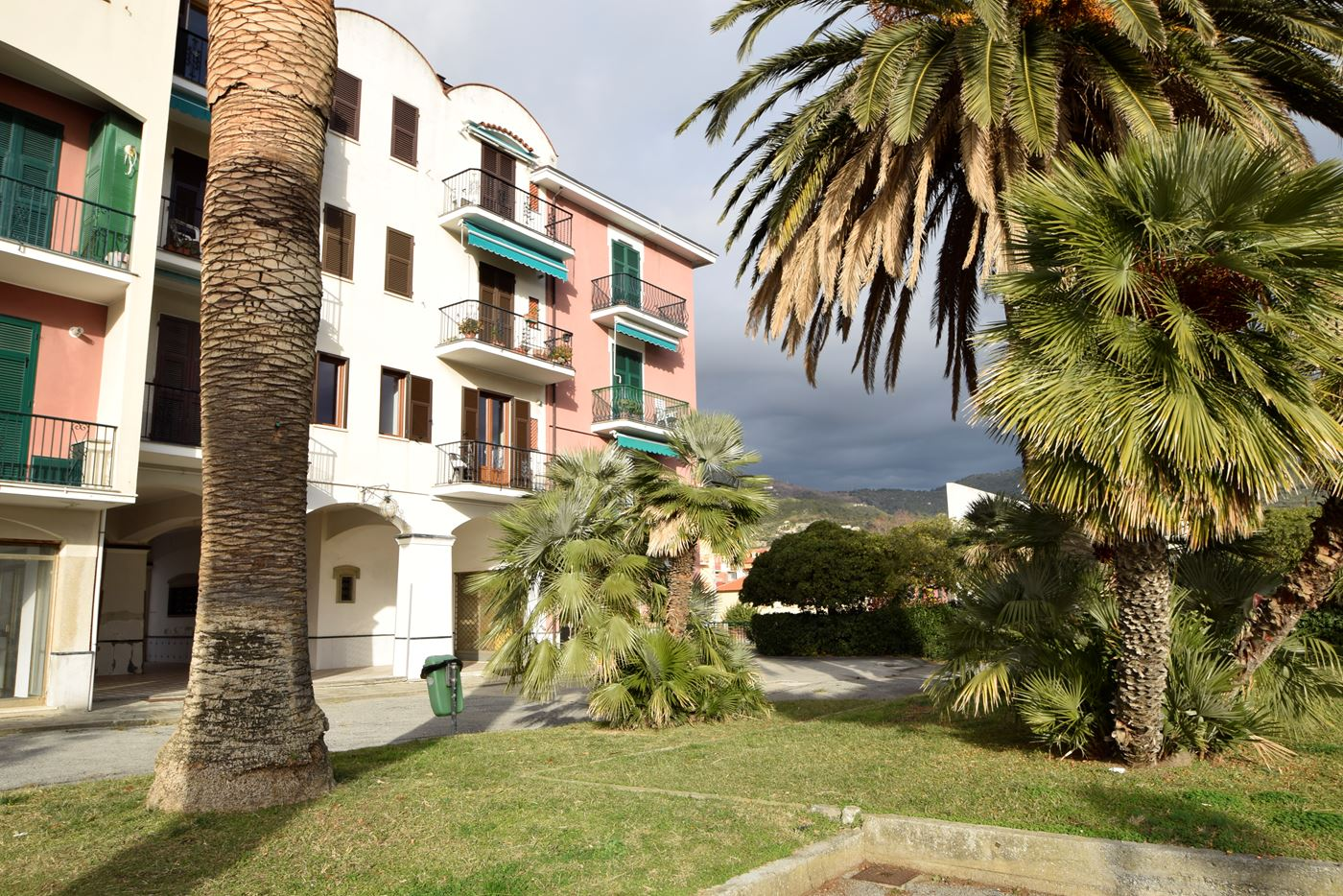 Casa vacanza in affitto spotorno fronte mare rondini a - Regione liguria piano casa ...